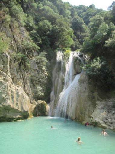 polylimnio waterfall