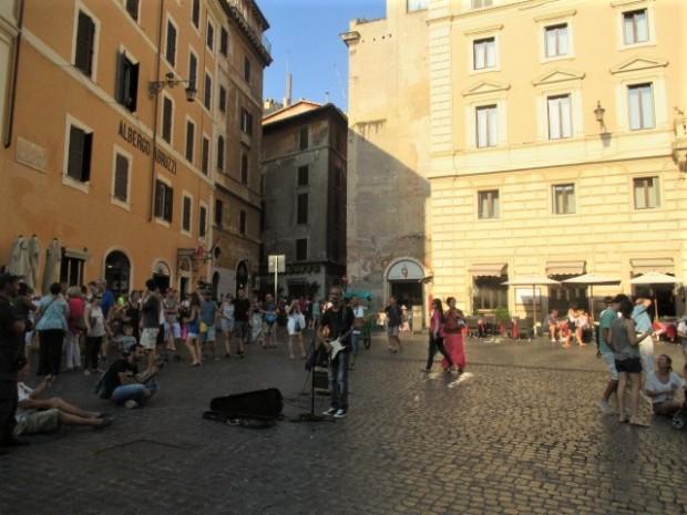 rome-busker