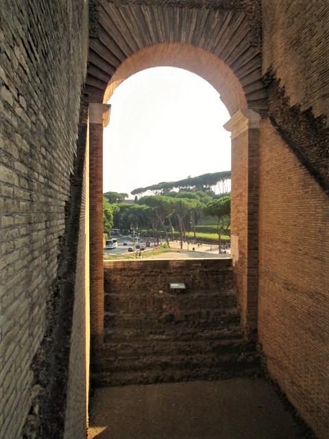 rome-colosseum-arch