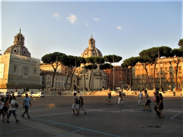 rome-square-late-afternoon