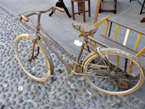 milan-antiques-market-bike