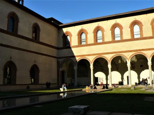 milan-castello-courtyard