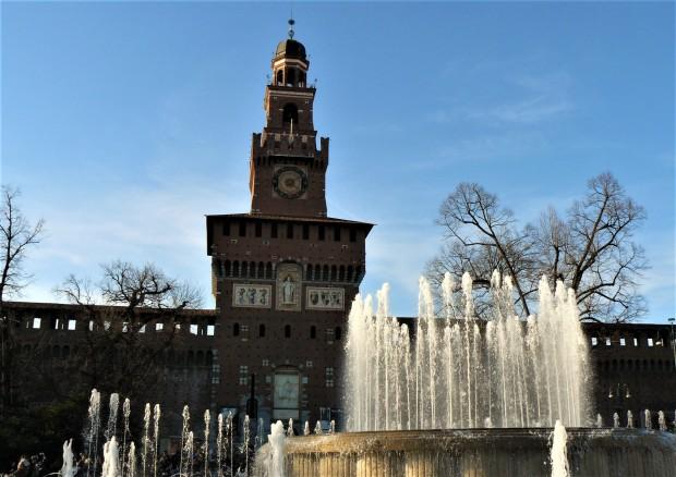 milan-castello-fountain