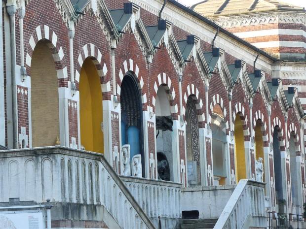 milan-monumental-cemetery-archways