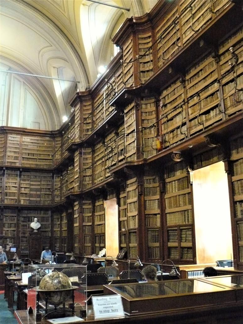 rome-biblioteca-angelica