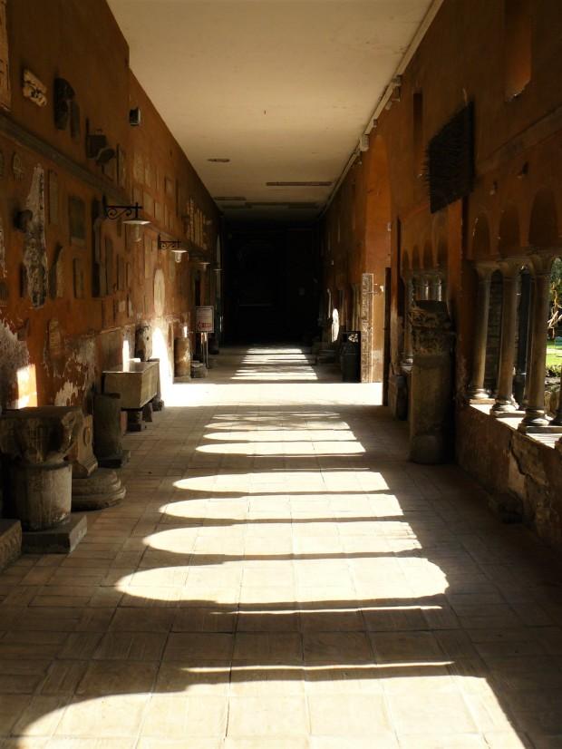 rome-chiesa-di-san-cosimato-convent-cloister