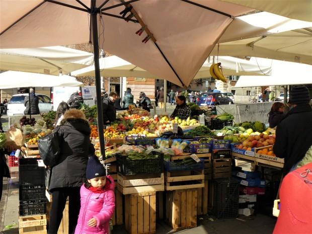 rome-fruit-and-veg-market-2