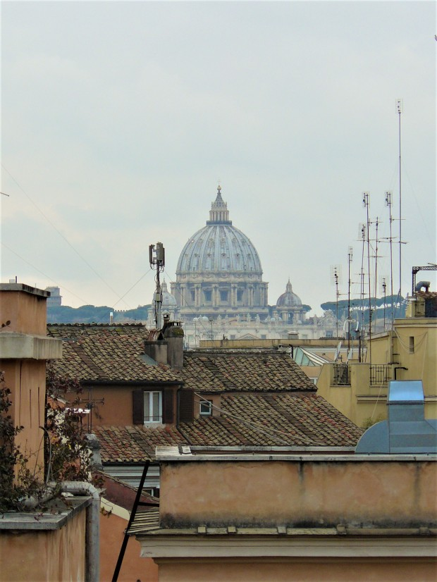 rome-piazza-del-quirinale-view-st-peters