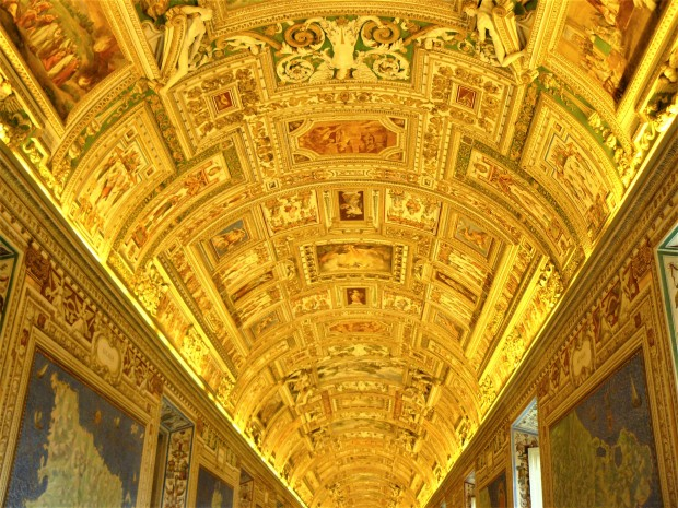 rome-vatican-map-room