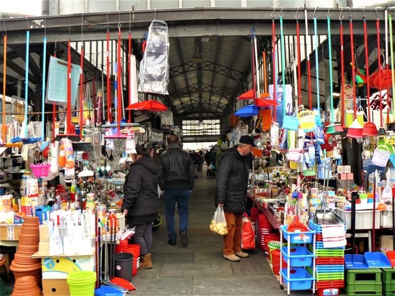 turin-market-household