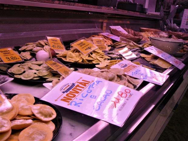 turin-market-pasta