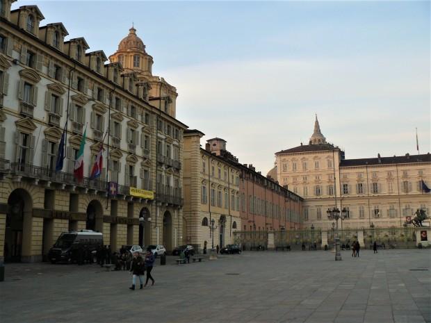 turin-piazza-castello-2