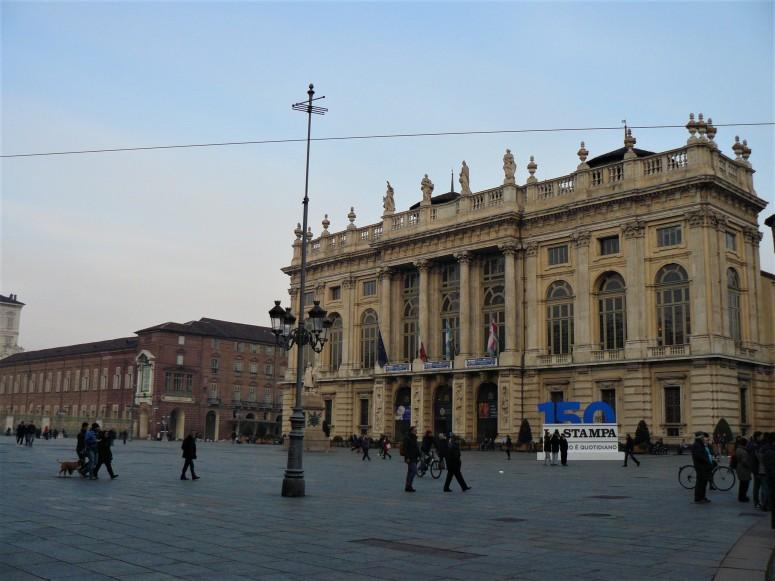 turin-piazza-castello