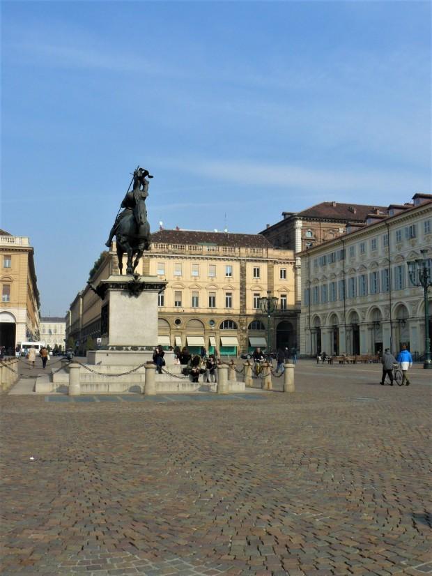 turin-piazza-san-carlo