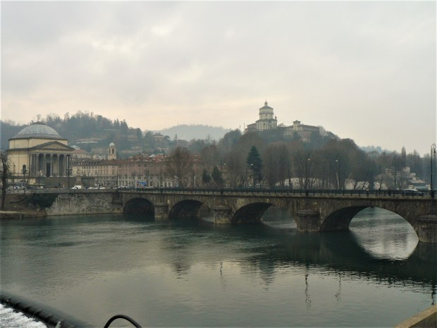 turin-view-across-the-river