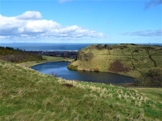 Edinburgh Dunsapie Loch