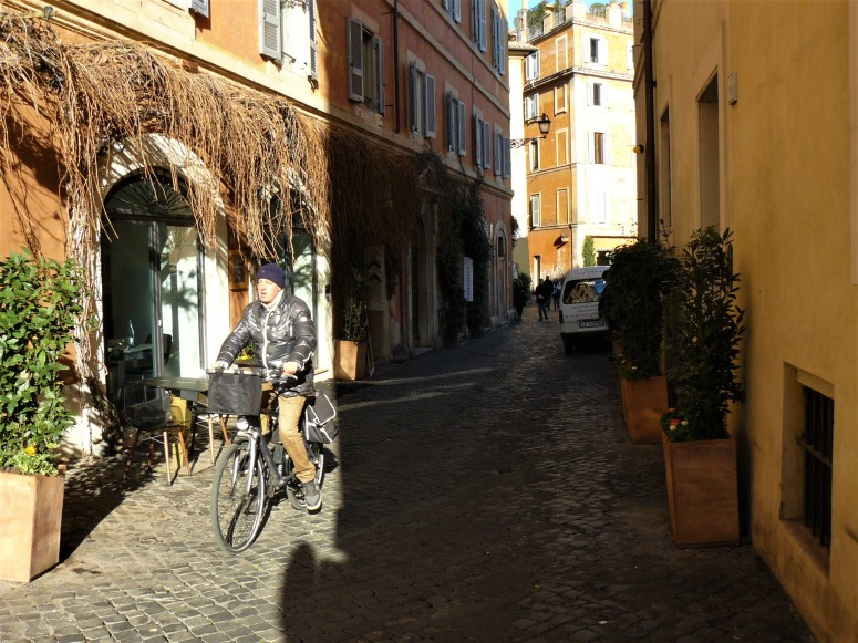 rome-person-cycling