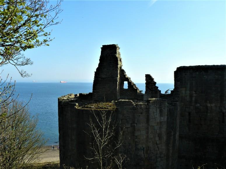 Ravenscraig Castle 2