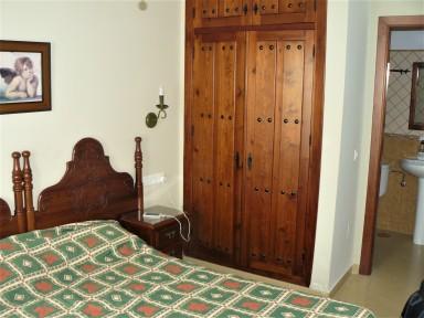 Easy Nerja Guesthouse room