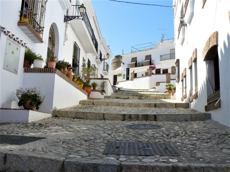 Frigliana stepped street