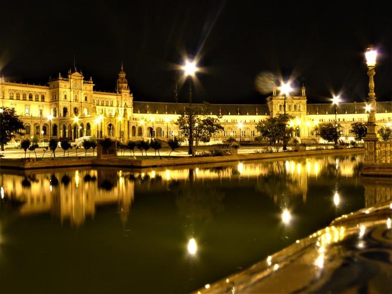 black sevilla night