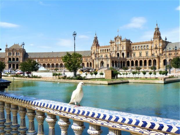 blue sevilla plaza de espana