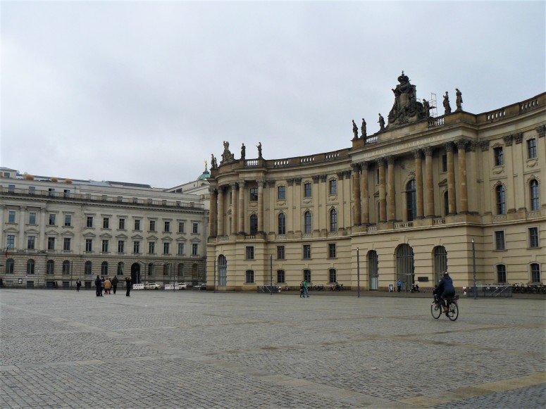 Bebelplatz 3