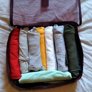 capsule travel wardrobe packing cube 2