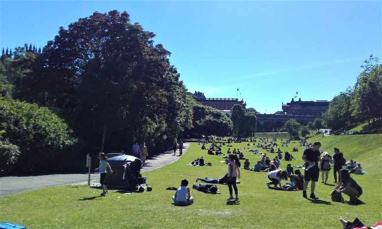 edinburgh princes street gardens