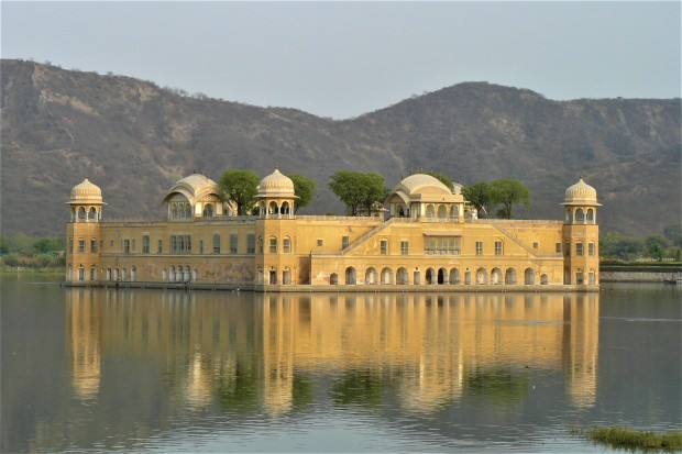 jaipur lake palace 1