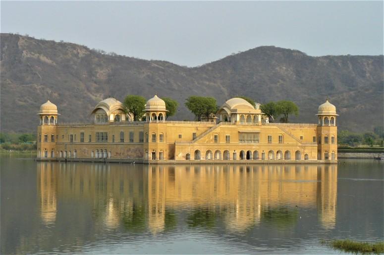 jaipur lake palace 1