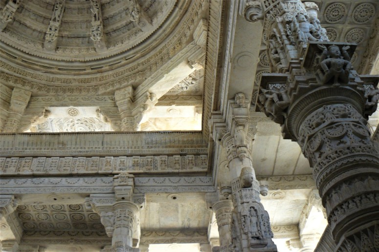 ranakpur temple interior 1