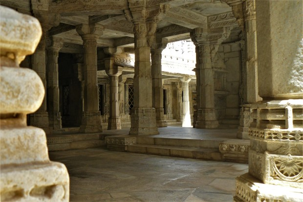 ranakpur temple interior 5