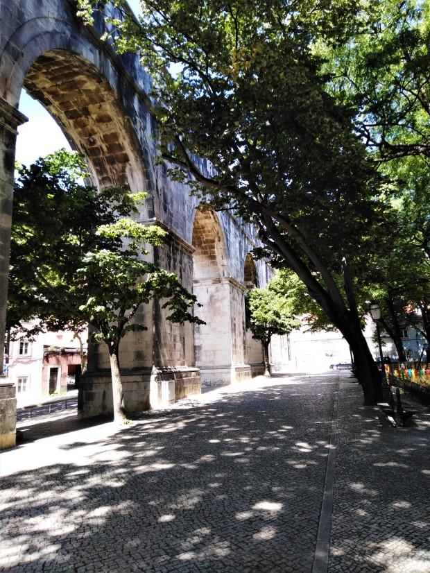 lisbon walk to aqueduct 1