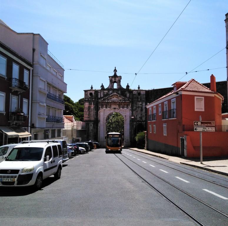 lisbon walk to aqueduct 2