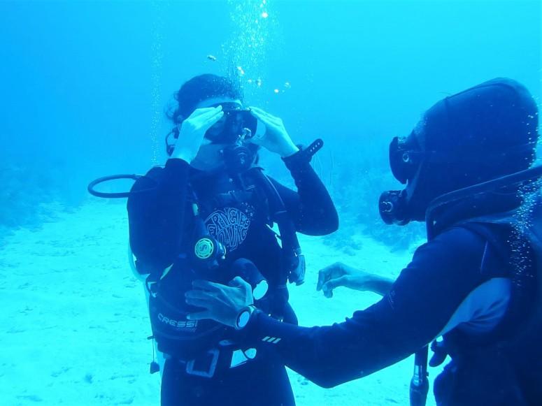 Belize Caye Caulker Diving 33